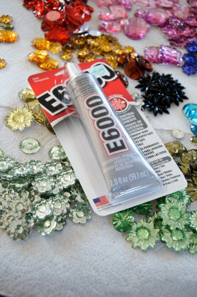 Beware - E6000 Glue Melts Silver Paint on Plastic Gems