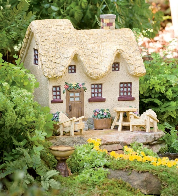 Miniature Fairy Garden Flower Box Cottage | Where to Buy Miniature and Fairy Garden Houses – Part I | Lush Little Landscapes
