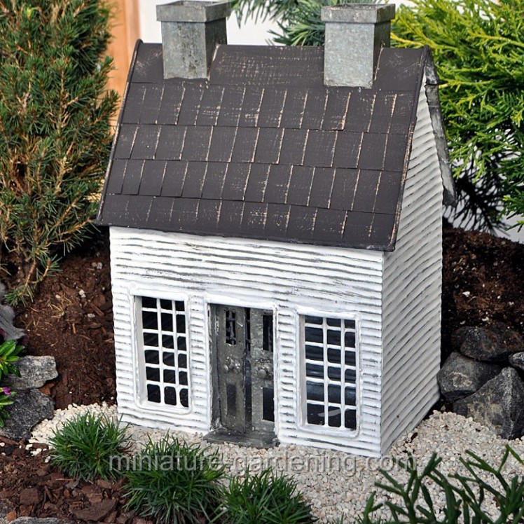 Early American Home | Where to Buy Miniature and Fairy Garden Houses – Part I | Lush Little Landscapes