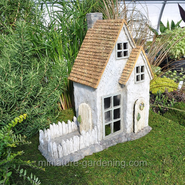 Eden's Way Cottage | Where to Buy Miniature and Fairy Garden Houses – Part I | Lush Little Landscapes