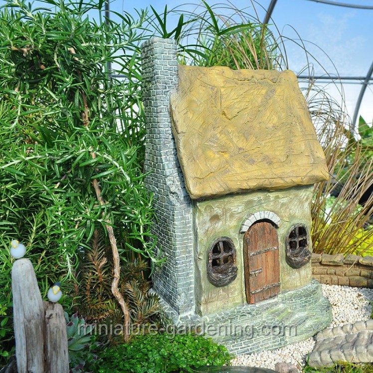 Hawthorn House | Where to Buy Miniature and Fairy Garden Houses – Part I | Lush Little Landscapes