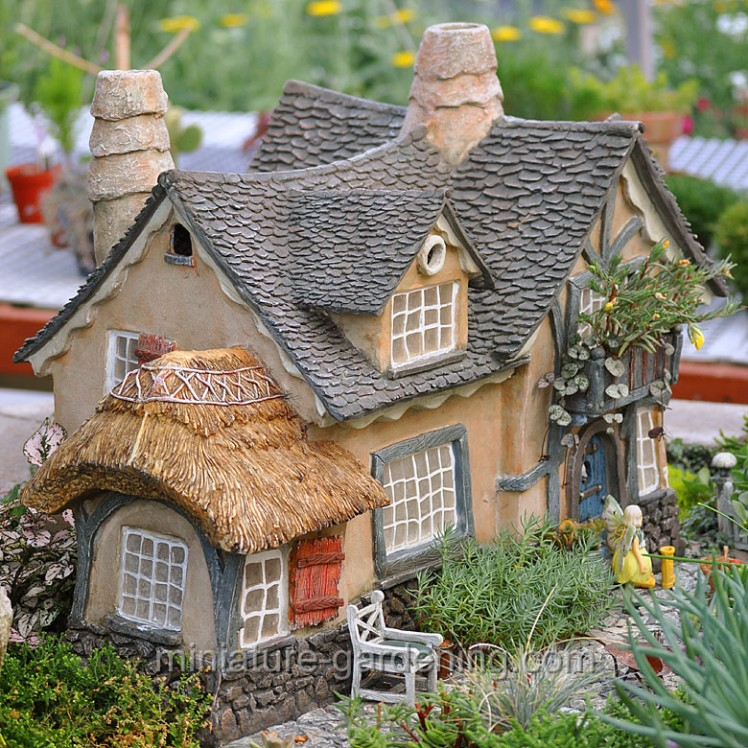 The Underfoot Cottage | Where to Buy Miniature and Fairy Garden Houses – Part I | Lush Little Landscapes