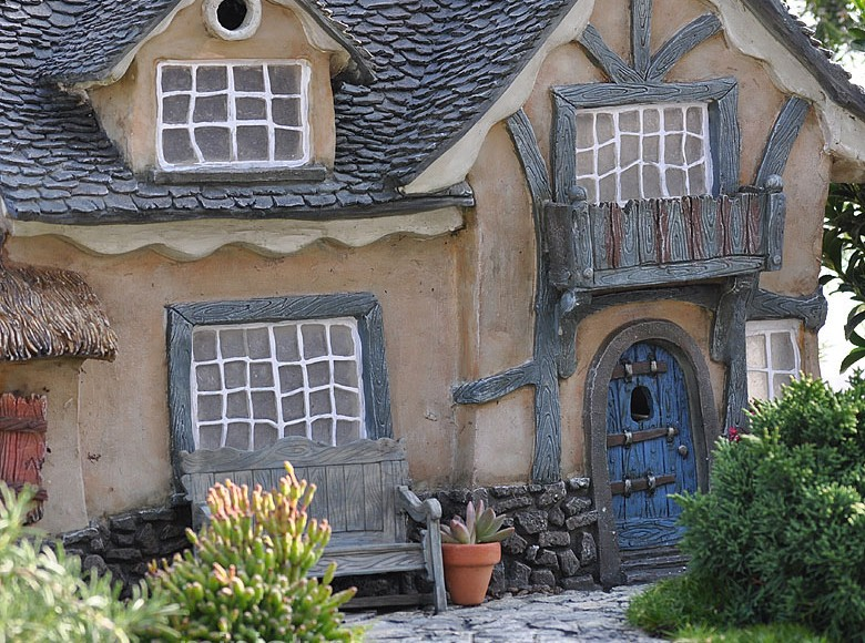 The Underfoot Cottage